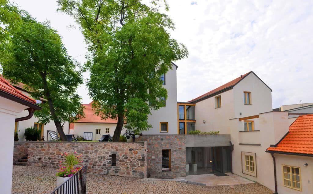 Bellevue hotel Karlov