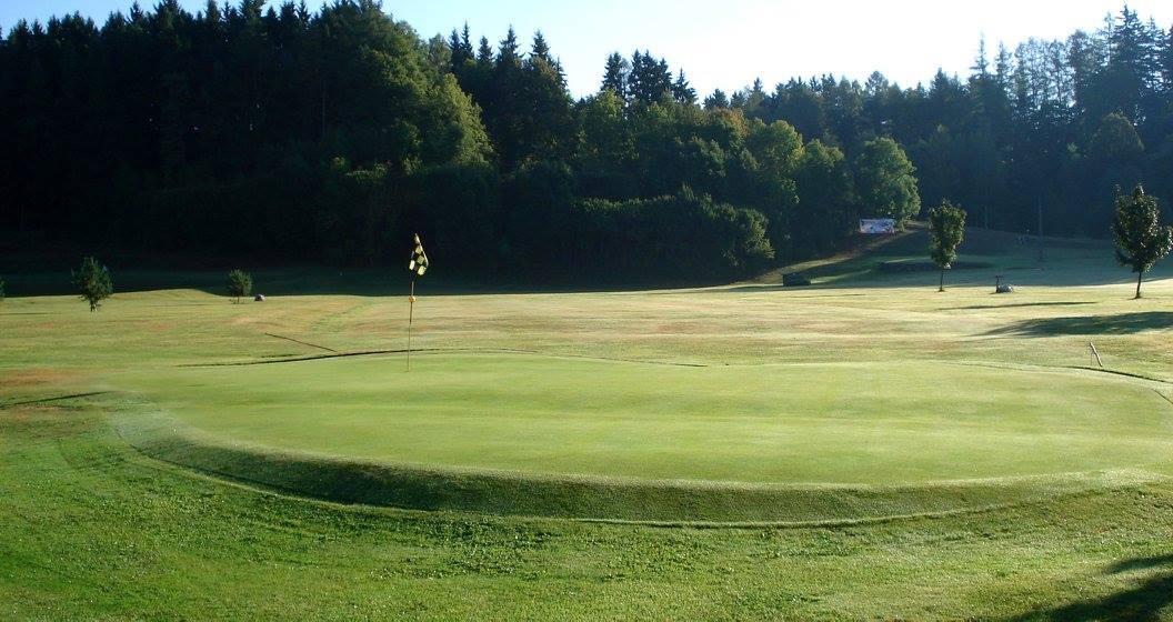 Golf Country Club Prosečné