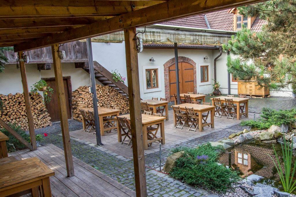Restaurace a Penzion Ve Století