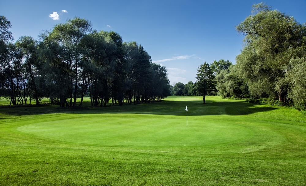 Three Oaks – Tři Duby Golf Resort