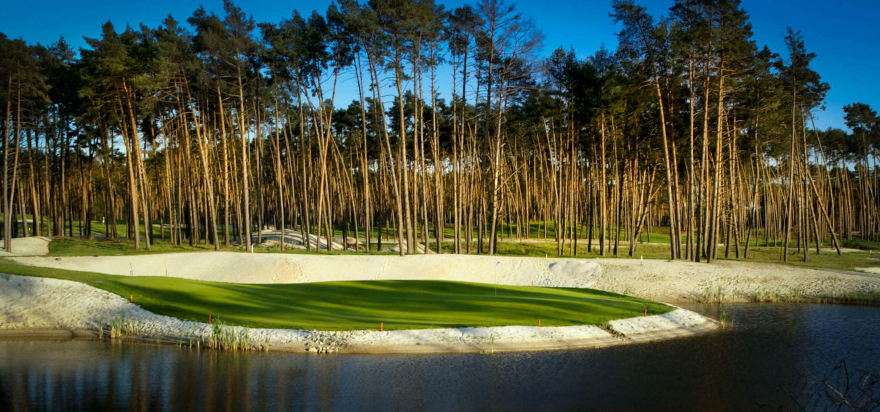 White Eurovalley Golf Park