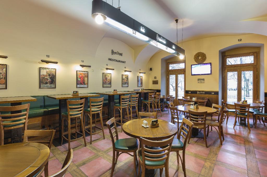 Restaurant 12